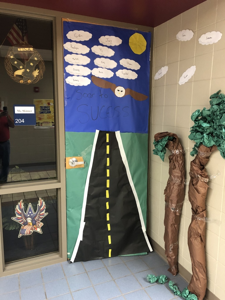 Homecoming Door Contest at HMS